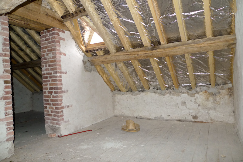 inside-the-attic-ready-for-cielings