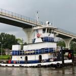 Random image: Tug Boat on the Canal